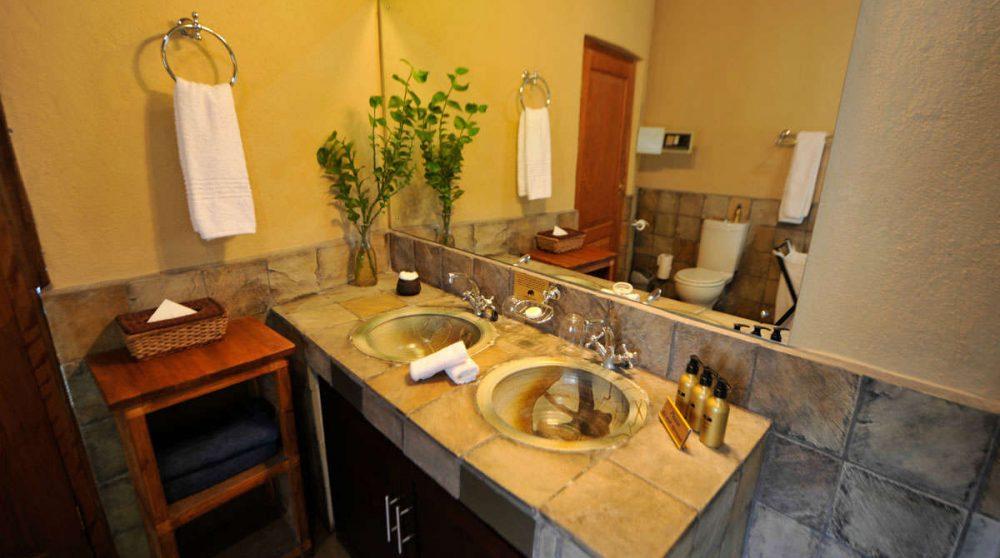 Autre vue d'une salle de bains à Sabi Sand