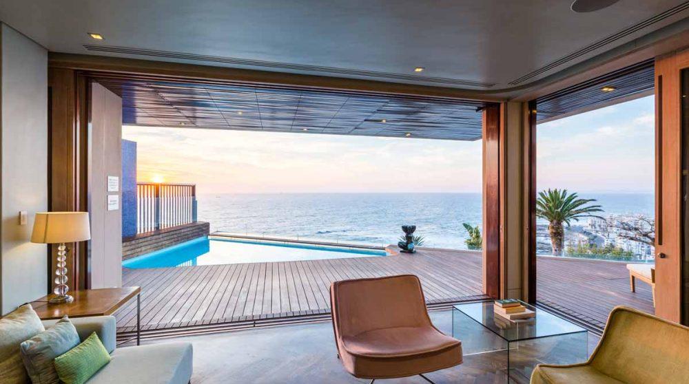 La salon et la terrasse à Cape Town