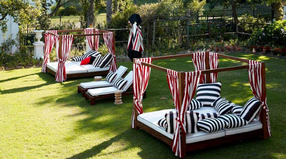 Le jardin de l'hôtel Alphen dans la ville du Cap