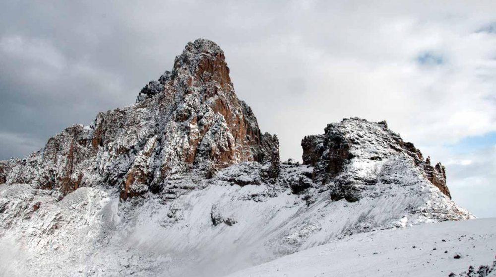 Le Mont Kenya, le deuxième plus haut sommet du continent